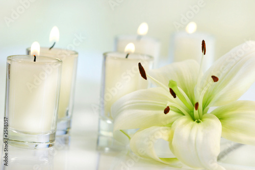 Fototapety, obrazy: lily flower with candle