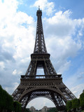 eiffel tower day view