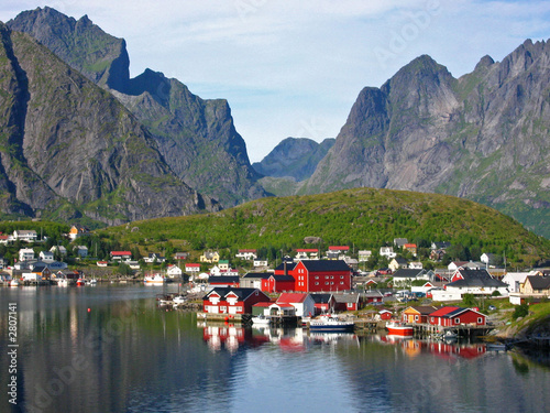Garden Poster Scandinavia iles lofoten- petit port de reine