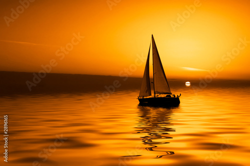 Tuinposter Zeilen sailing and sunset