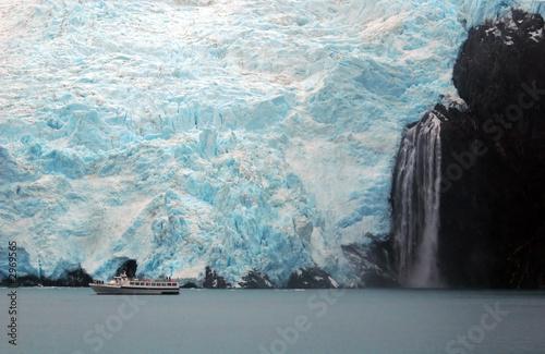 Printed kitchen splashbacks Glaciers prince william sound and glacier calving