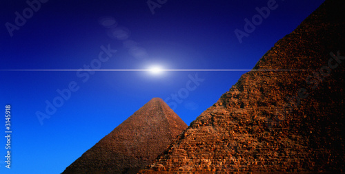 Photo pyramids against blue sky