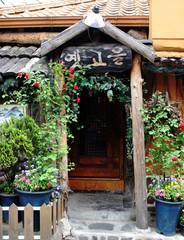 Fototapeta na wymiar traditional korean building