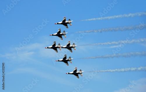 Obraz na plátne formation of f-16 fighter jets