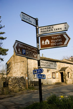 Dales Signpost