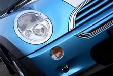 Mini Close Up