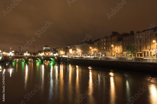 Photo Stands Paris dublin at night