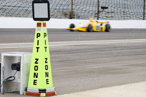 Deurstickers Snelle auto s pit zone, horizontal