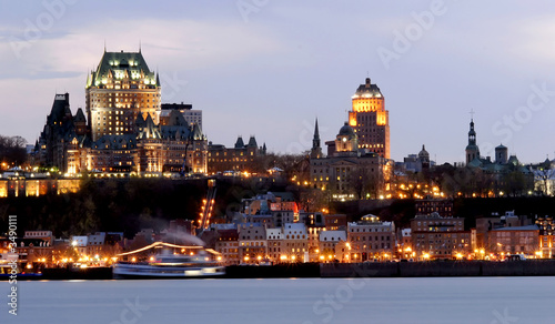 Spoed Foto op Canvas Canada quebec city by night
