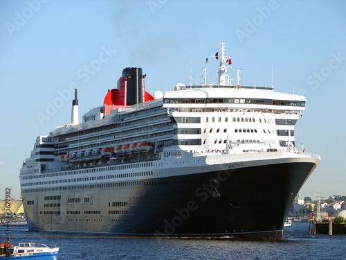 Fotografía  Queen Mary 2 in Hamburg(2)