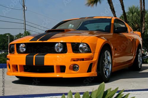 Photo  orange american muscle car
