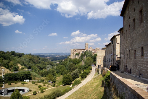 Photo  View of the fortification near Siena, Tuscany