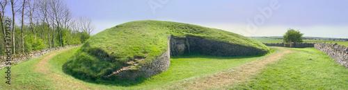 Photo belas knap neolithic long barrow chambered tomb