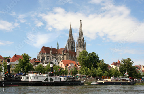 Foto auf AluDibond Stadt am Wasser Regensburger Dom