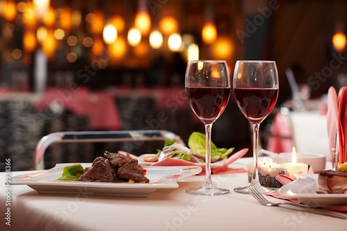Fototapeta meat with salad and wine obraz