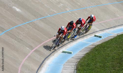 Foto op Plexiglas Fietsen Races on a bicycle track
