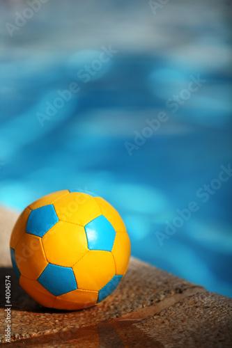 Basen, piłka nożna