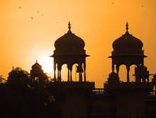 Inde - Coupoles à Jaisalmer / Rajasthan