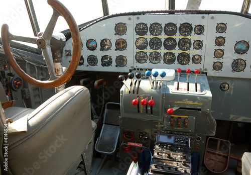Valokuva  Cockpit of Nazi German era Ju-52 airplane