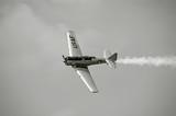 Vintage myśliwiec szturmowy WW II wykonywania na airshow - 4172944