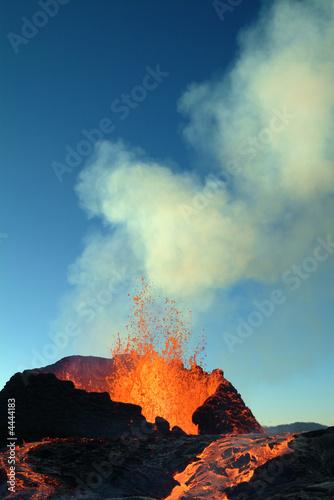 Foto op Aluminium Vulkaan éruption volcanique