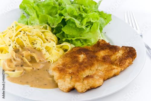 wiener schnitzel mit pilzrahmsoße,bandnudeln und salat 3 Canvas Print