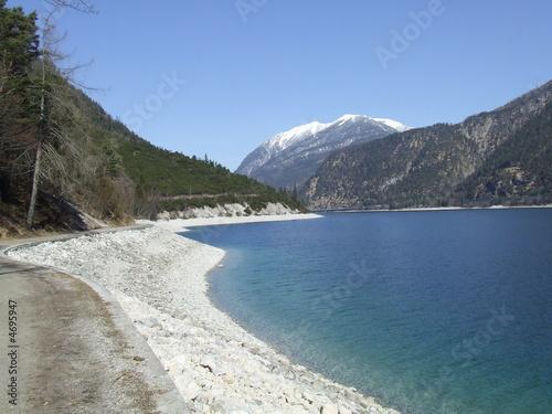 Barrage Wunderschöner See in den Bergen