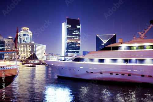 Photo  Yatch in Dubai creek, united arab emirates
