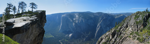 Photo  Taft Point in Yosemite National Park, USA