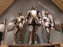 Drei Ritterrüstungen In Museum