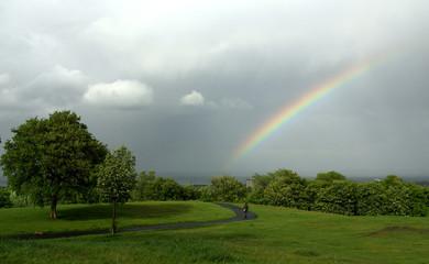 Gewitterstimmung mit Regenbogen