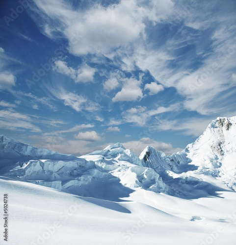Fototapety, obrazy: Snowcovered mountain