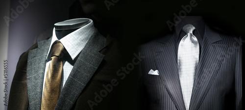 Fotografia Veste, cravate et costume masculin dans une boutique
