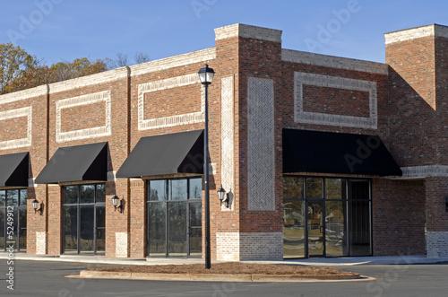 Zdjęcie XXL Nowy budynek handlowo-biurowo-handlowy