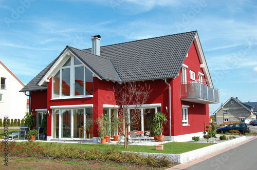 Fotografiet  Großes, rotes Glashaus - The Glashouse