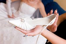Bride Wait A Shoe