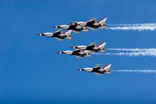 F-16 Thunderbird Jets Flying I...