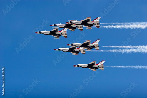 F-16 Thunderbird jets flying in formation Wallpaper Mural