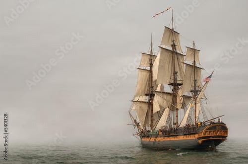 Cuadros en Lienzo Vintage Frigate sailing into a fog bank