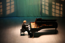 Pianist After The Piano On The Scene