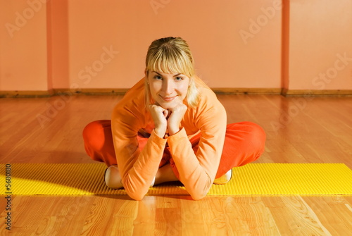 Fotografie, Obraz  Fitness trainer relaxing after exercise