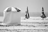 Parasols plage de trouville noir et blanc - 5754136