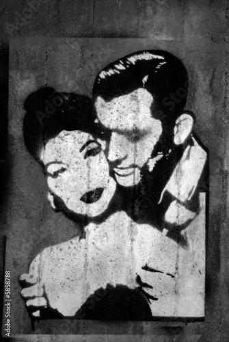 portret-kochajacej-sie-pary-graffiti