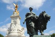 Statues In London, Near Buckingham Palace.