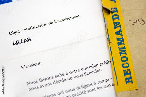 Photo Travail et entreprise - Lettre de licenciement