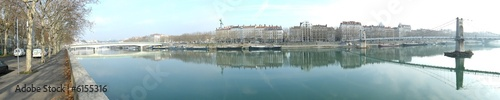 Stickers pour porte Ville sur l eau Lyon, les quais du rhone, panorama