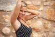 canvas print picture - huebsche Frau im Sommerkleid