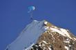 Paraglider am Berggipfel