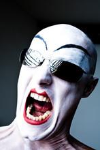 Weiß Geschminkter Kopf Schrei...