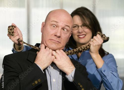 Valokuva  Woman Strangles CoWorker